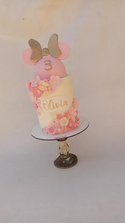 Minnie Rosa - Cake by Gabriela Scollo