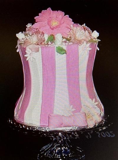 Flower vase - Cake by kakeladi