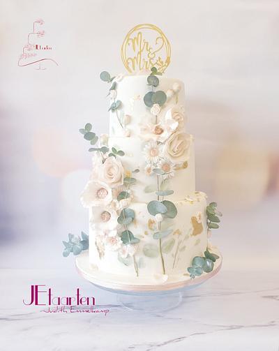 Blush handpainted weddingcake  - Cake by Judith-JEtaarten