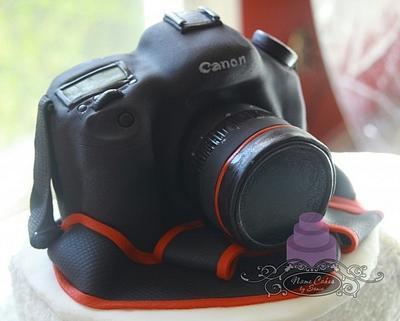 Canon Camera Cake - Cake by Sonia Huebert