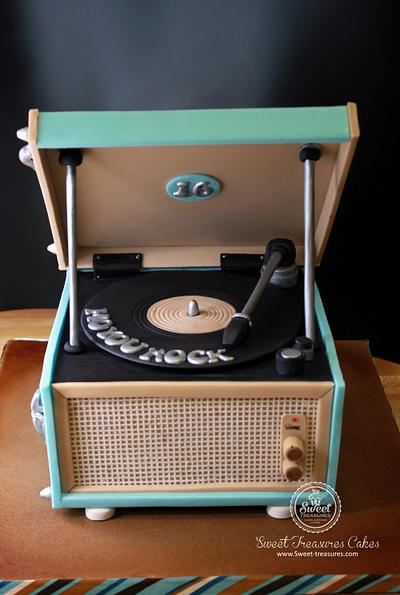 Vintage Record Player - Cake by Sweet Treasures (Ann)