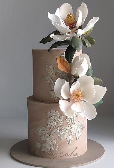 Magnolia Cake - Cake by Natalia Casaballe