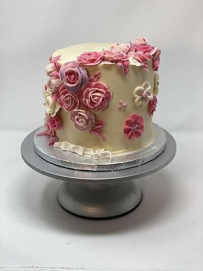 Trying buttercream flowers  - Cake by BunnyBakes