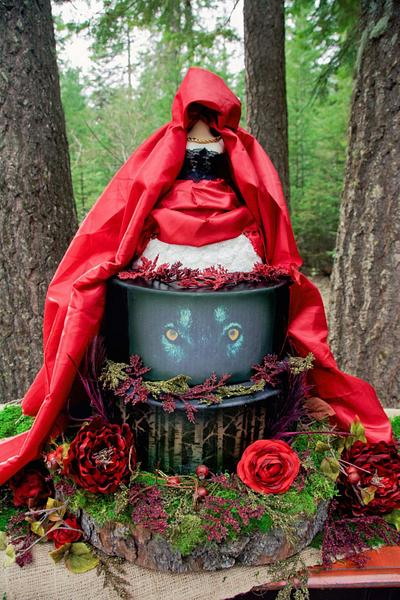 Red Riding Hood  - Cake by Sweet Delights By Krystal