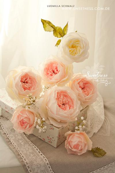Wafer Paper English Roses - Cake by Ludmilla Gruslak