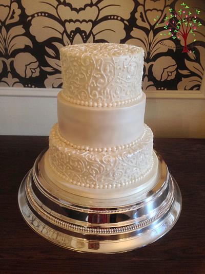 Piped vine wedding cake - Cake by Blossom Dream Cakes - Angela Morris