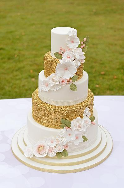 A little bit of sparkle - Cake by The Chain Lane Cake Co.