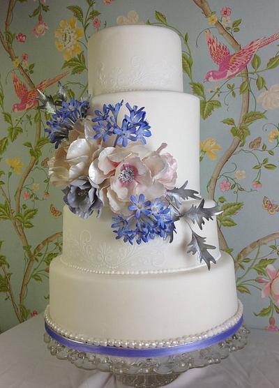 Winter wedding cake - Cake by TheArtofCakes