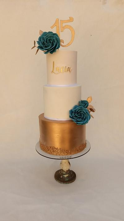 15 años - Cake by Gabriela Scollo