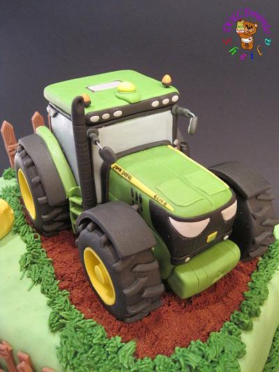 John Deere tractor - Cake by Sheila Laura Gallo