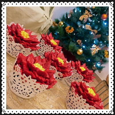 Poinsettia cupcakes - Cake by Lallacakes