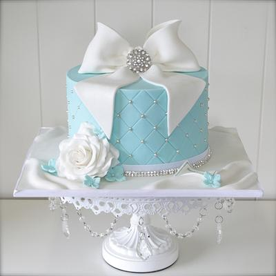 Giftbox cake - Cake by cjsweettreats