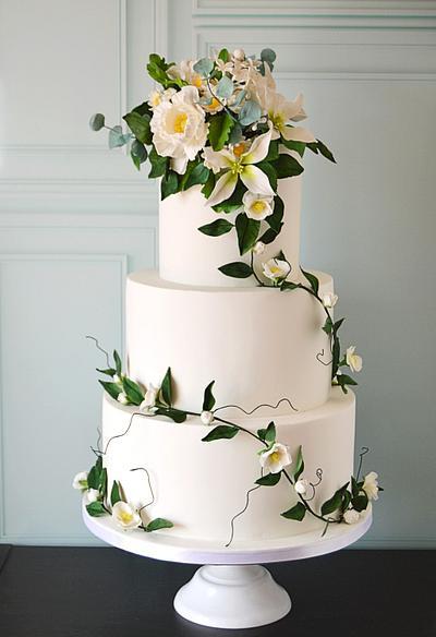 White and green wedding cake - Cake by Paula Rebelo