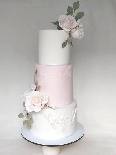 Delicadas rosas - Cake by Natalia Casaballe