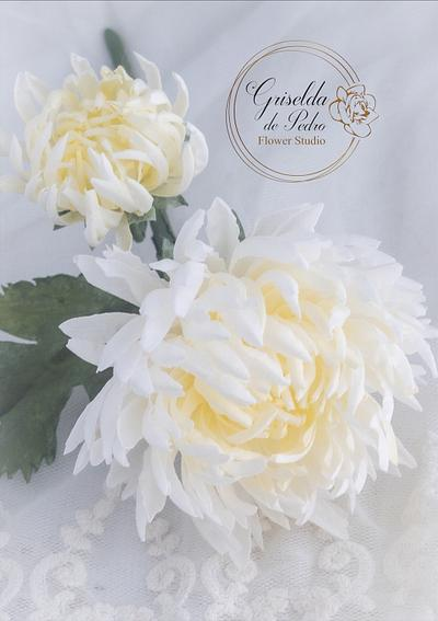 chrysanthemum wafer paper - Cake by Griselda de Pedro