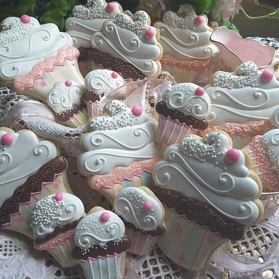 Cupcake cookies  - Cake by Teri Pringle Wood