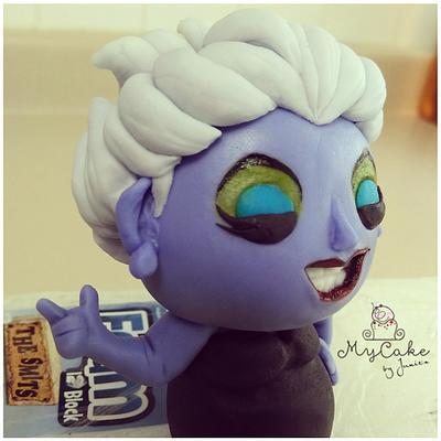 Ursula bobblehead  - Cake by Hopechan