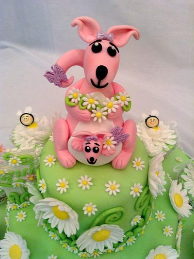 Kangaroo, Koala bear, Daisies and Bees - Cake by Elli Warren