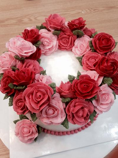 Rose wreath for a pretty lady - Cake by Justine Huh