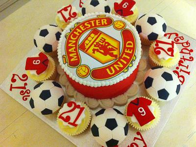 One for the boys! - Cake by CakeDIY