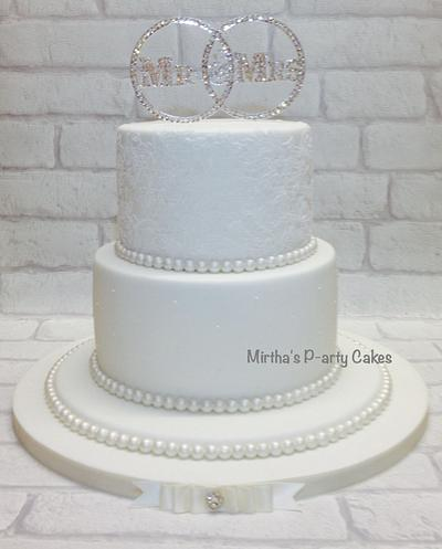 Simple wedding cake - Cake by Mirtha's P-arty Cakes