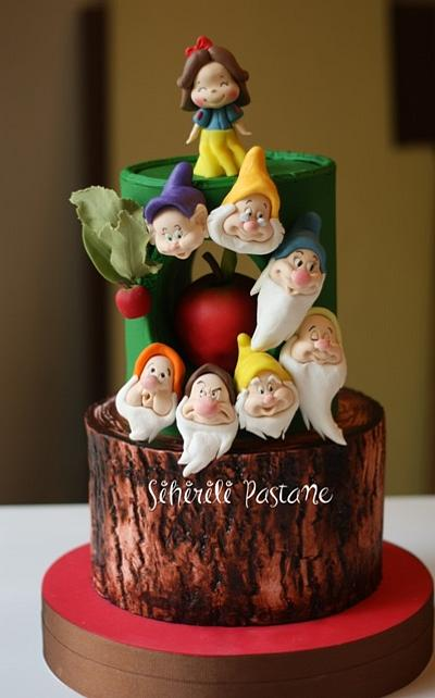 Snow White and Seven Dwarfs Cake - Cake by Sihirli Pastane