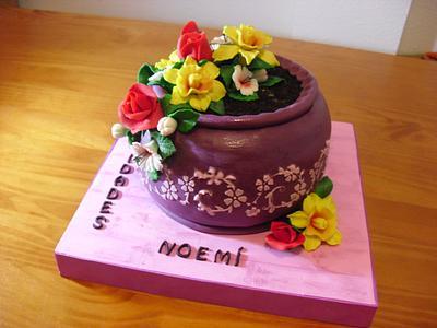 FLOWER POT CAKE - Cake by Camelia