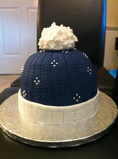 Beanie hat Christmas cake - Cake by Mayasbakingboutique