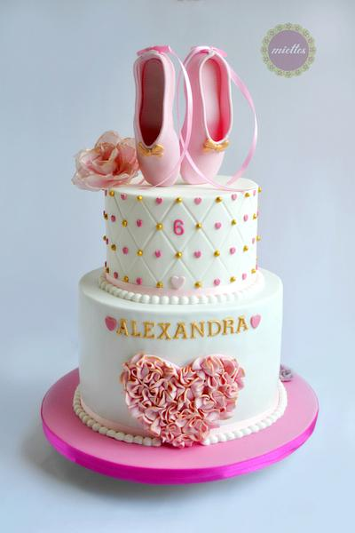 Ballerina Cake - Cake by miettes