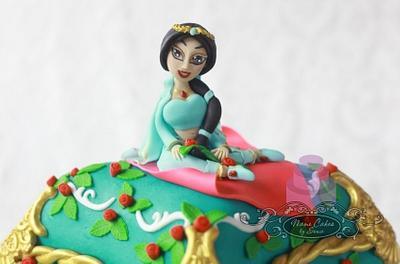 Jasmine pillow cake - Cake by Sonia Huebert