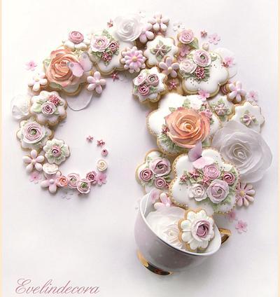 Flower cookies swirl  - Cake by Evelindecora