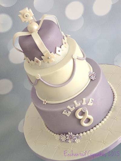 Cake fit for a queen - Cake by Enchantedcupcakes