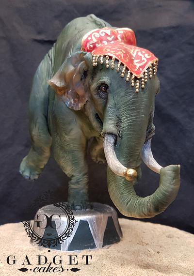Greatest Showman Elephant balancing on one leg - Cake by Gadget Cakes