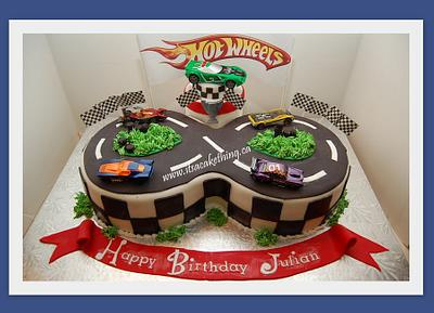 Hot Wheels Racetrack  - Cake by It's a Cake Thing