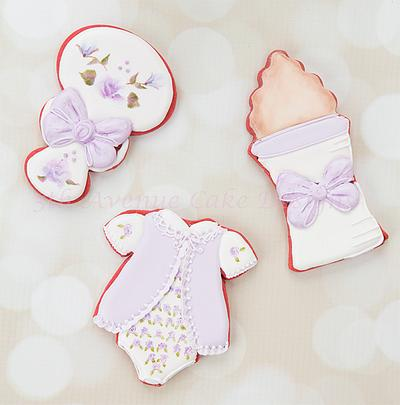 Vintage Hand Painted Baby Shower Cookies 👶🍼🐻 - Cake by Bobbie