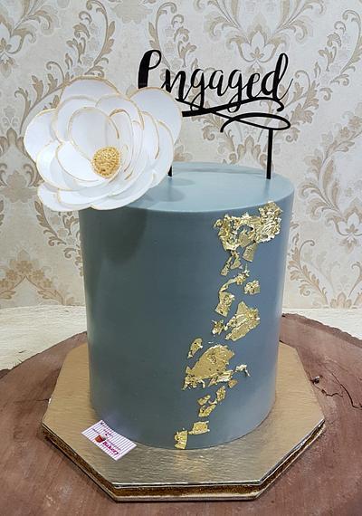 Beauty in Grey  - Cake by Michelle's Sweet Temptation