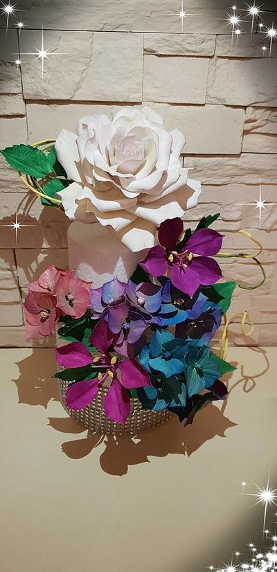 Sugar flowers - Cake by ana ioan