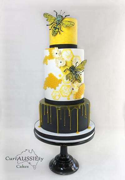 Honey Bee cake - Cake by CuriAUSSIEty  Cakes