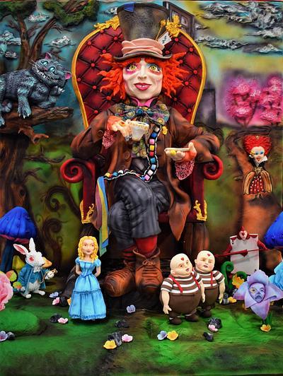 """STANDINGCAKE """"EL SOMBRERERO LOCO"""" / """"THE CRAZY HATTER"""" - Cake by SONIA PORCÚ"""