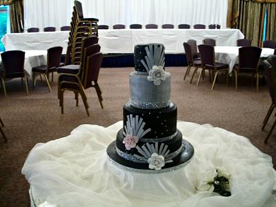 Art Deco - Cake by sarahf