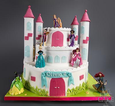 Disney princesses cake - Cake by LonsTaartCake