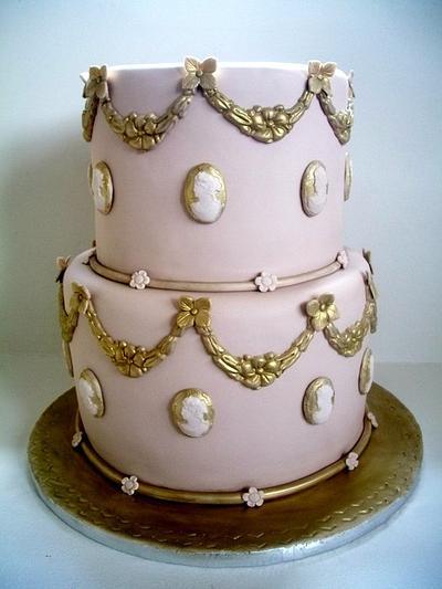Gold Vintage - Cake by sarahf