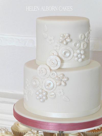 Button Wedding Cake - Cake by Helen Alborn