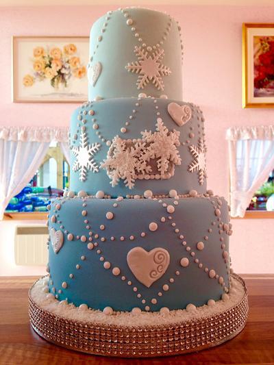Christmas wedding - Cake by sarahf