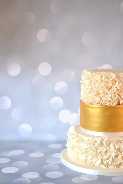 Ruffle wedding cake - Cake by Enchantedcupcakes