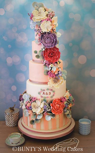 Peach Dream - Cake by Bunty's Wedding Cakes