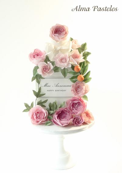 Miss Dior perfume bottle cake - Cake by Alma Pasteles