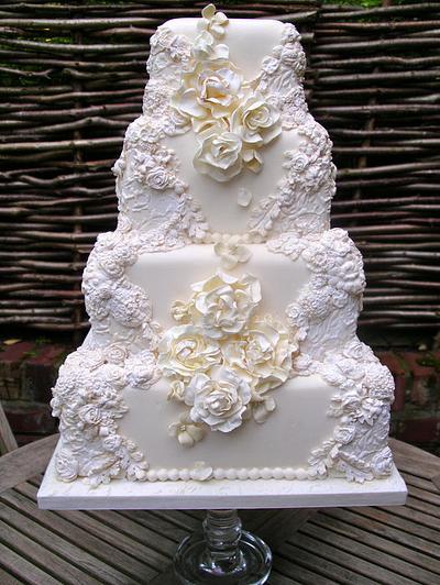 Ornate 4 tier wedding cake - Cake by Lynette Horner