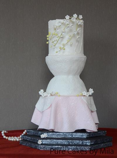 Red Carpet Cake, inspired by Christian Dior, gown worn by Jennifer Lawrence in 2013 - Cake by Mila - Pure Cakes by Mila