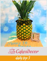 Pineapple birthday cake 🍍.
